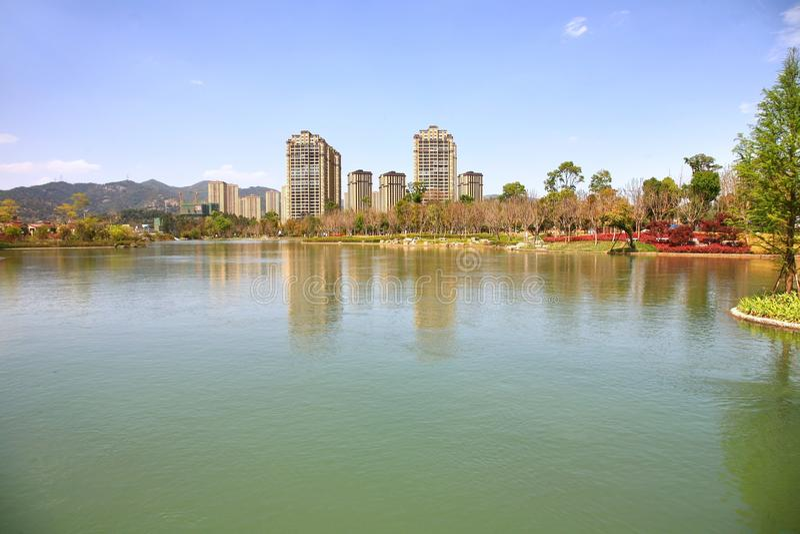 Парк водопада Kunming в Kunming, Китае стал самым большим парком водопада в Азии стоковое фото