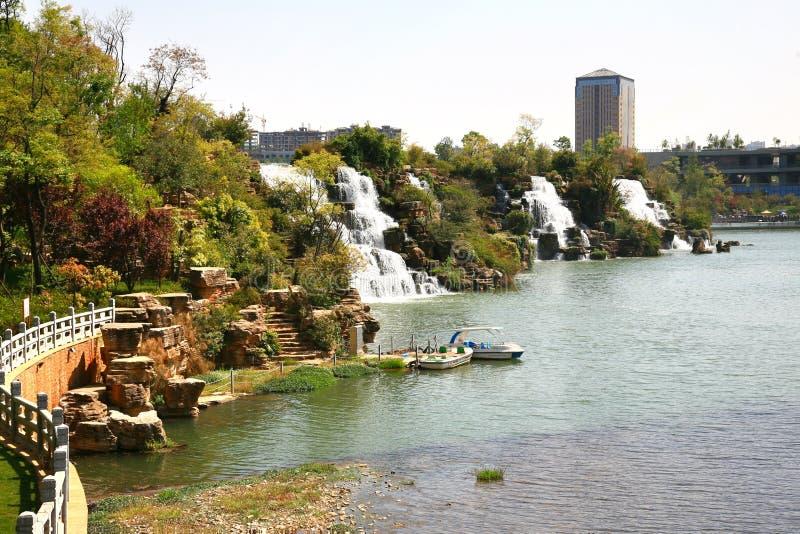Парк водопада Kunming в Kunming, Китае стал самым большим парком водопада в Азии стоковое изображение