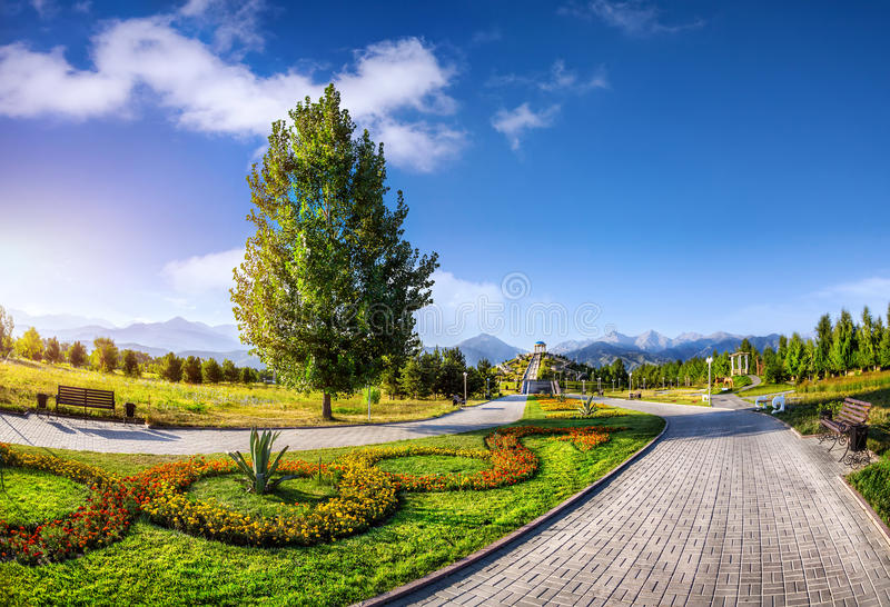 Парк в Алма-Ате стоковые изображения