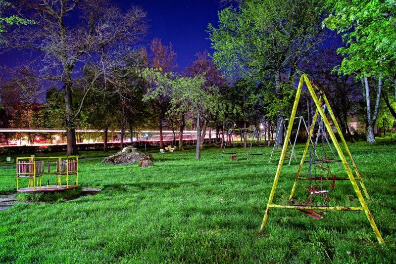 Парк в ноче стоковое изображение rf