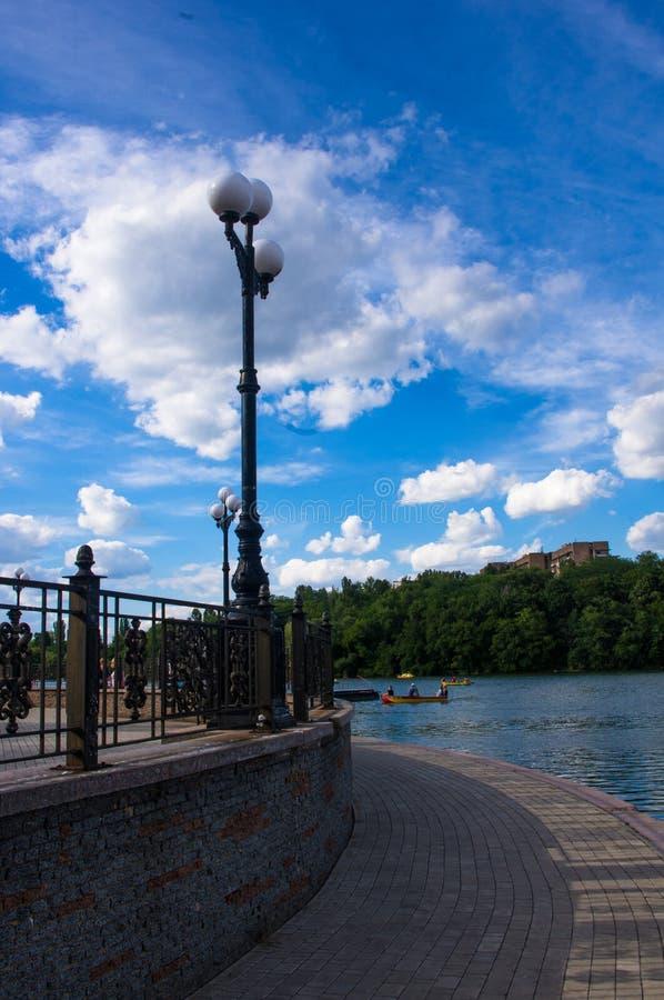 Парк города весны стоковая фотография