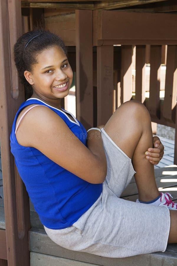 парк девушки подростковый стоковая фотография rf