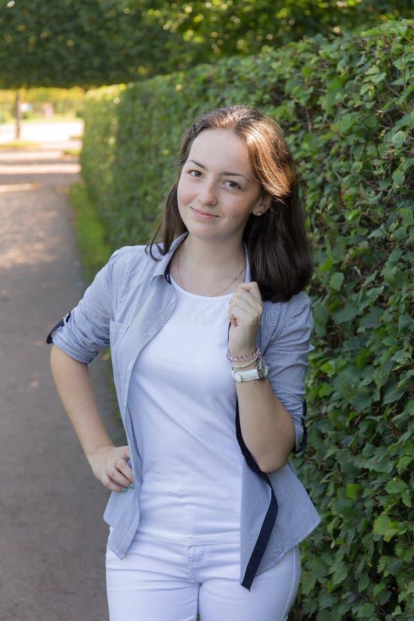 парк девушки подростковый стоковые фотографии rf