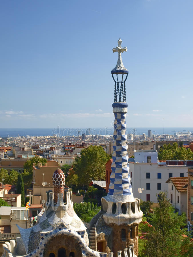 Download парк Испания Guell Barcelona Стоковое Фото - изображение насчитывающей зодчества, традиционно: 41661064