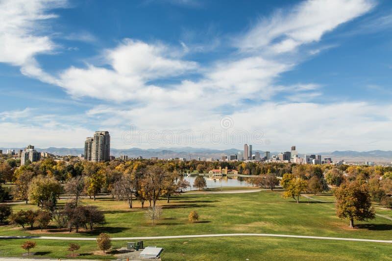 Парк и горизонт Денвера стоковые фотографии rf