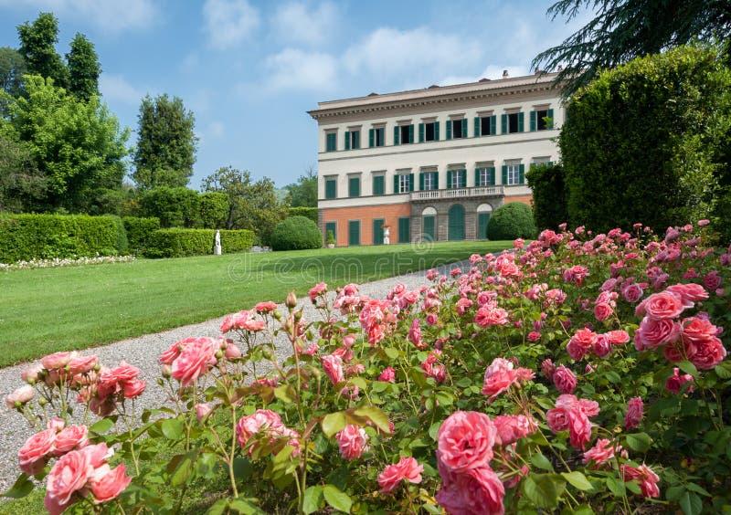Парк и фасад виллы Reale в Marlia, Лукке стоковые изображения