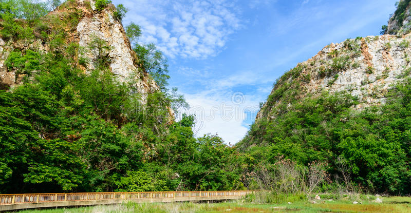 Парк камня Khao Ngu на Ratchabri, Таиланде стоковое изображение rf
