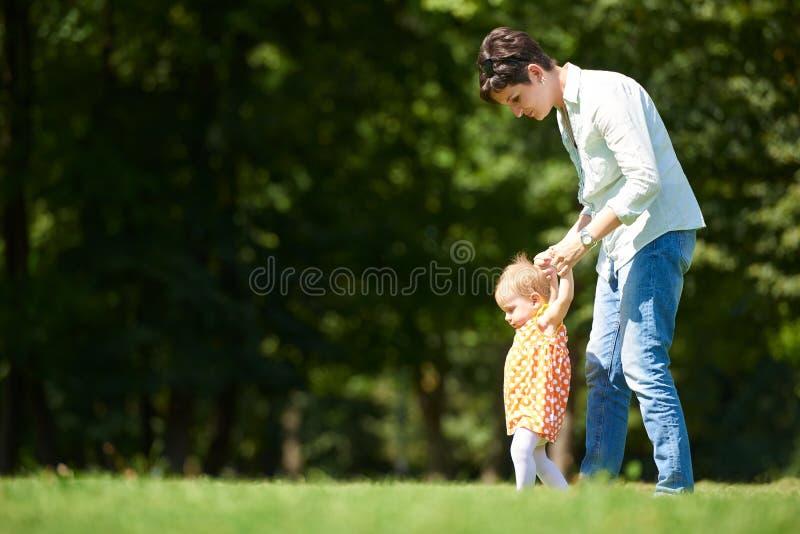 парк мати младенца стоковые изображения