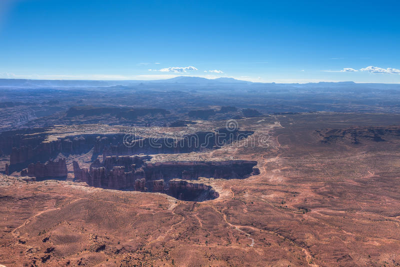 Парк-остров UT-Canyonlands национальный в следе района-Grandview неба стоковое изображение
