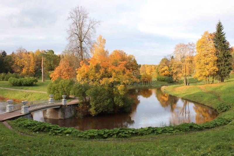 Парк Павловска на осени панорама стоковая фотография