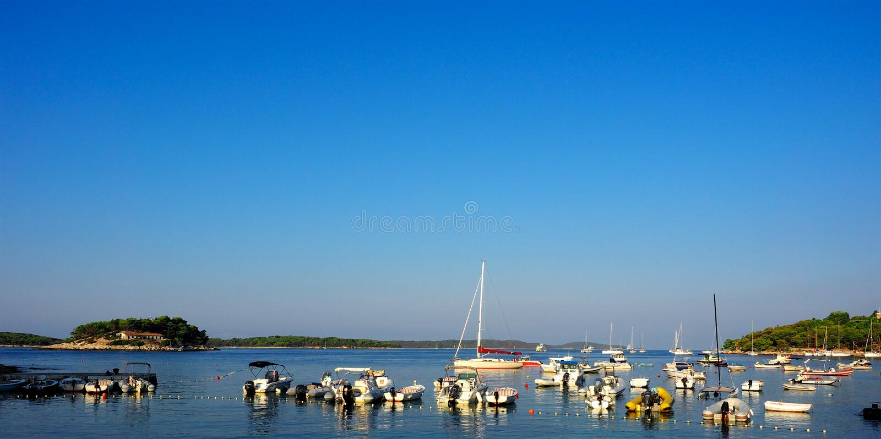 Парк порта Hvar много шлюпка, Хорватия стоковое изображение
