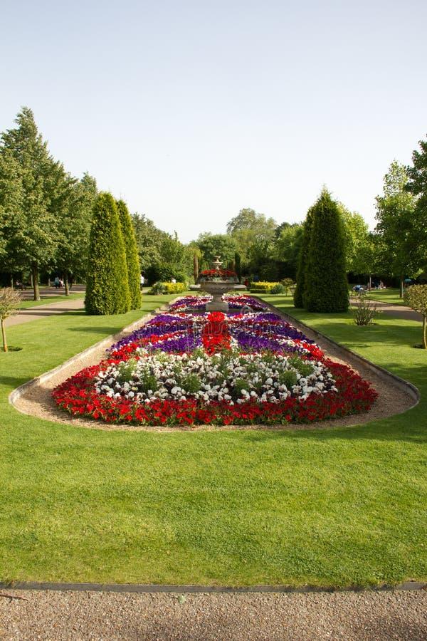 Парк правителей с много цветками стоковое изображение rf