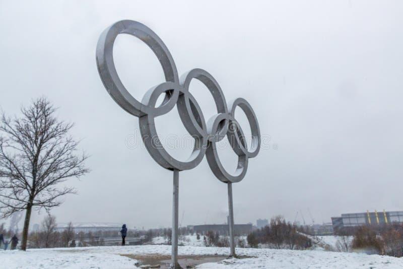 Парк ферзя Элизабет олимпийский в снеге стоковые изображения