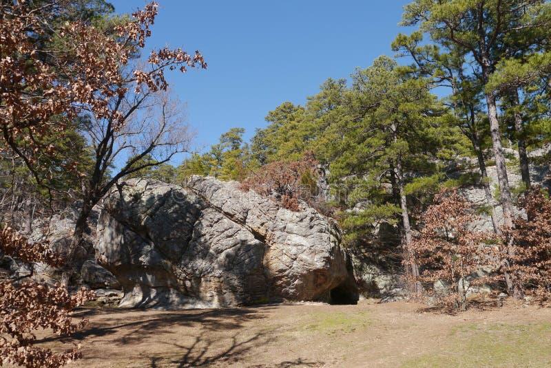 Парк штата пещеры разбойника стоковые фотографии rf