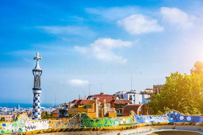 Парк Guel, Барселона, Испания Известный и большинств посещенный туристский sightseeing ориентир ориентир Уникально архитектура мо стоковое фото rf