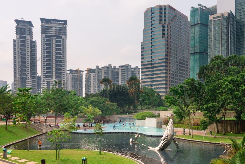 Парк KLCC в Куалае-Лумпур, Малайзии стоковое фото rf