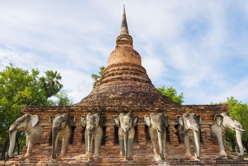 Парк Sukothai исторический, всемирное наследие ЮНЕСКО Висок Rop Chang, Таиланд стоковая фотография rf