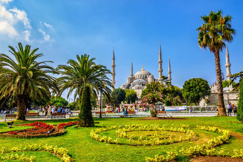 Парк Sultanahmet популярная зона туристов стоковые изображения rf
