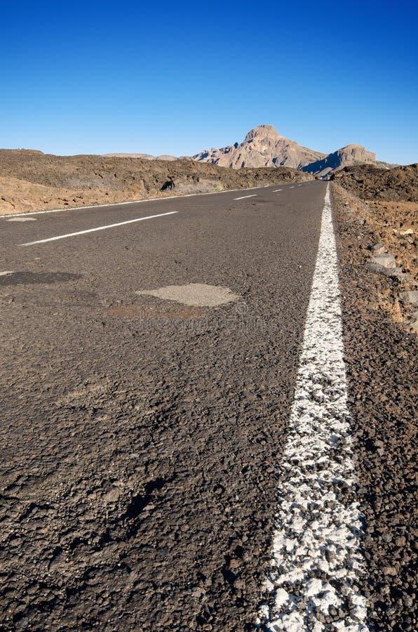 Парк Teide ринва дороги вулканический, в Тенерифе, Канарские островы, Испания стоковые фото