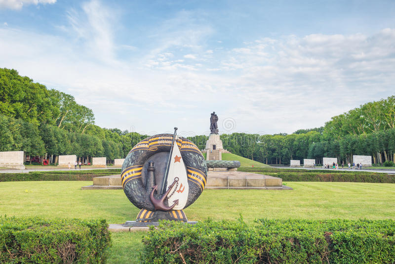 Парк Treptower в Берлине на летний день стоковые изображения rf