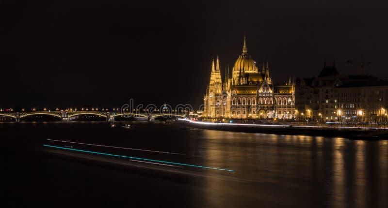 Парламент расквартировывает Будапешт стоковая фотография