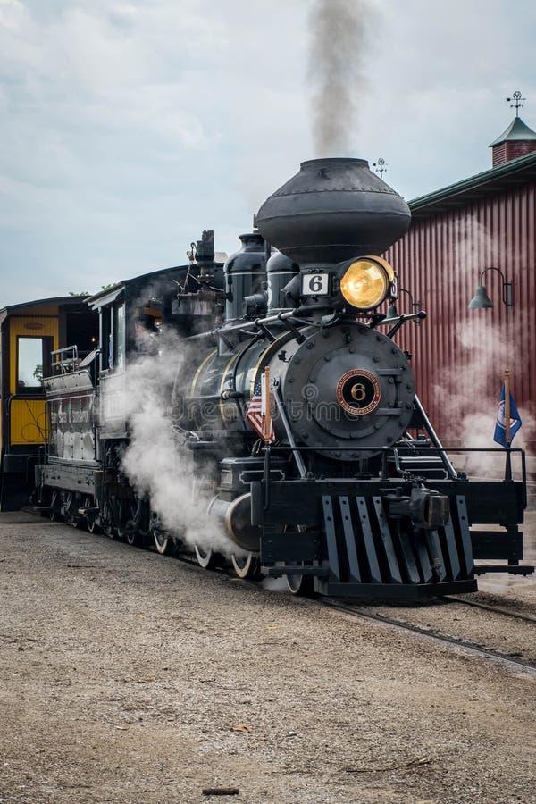 Паровой двигатель Baldwin на реюньоне молотильщиков Midwest старом, Mt Приятный, Айова, США стоковые изображения rf