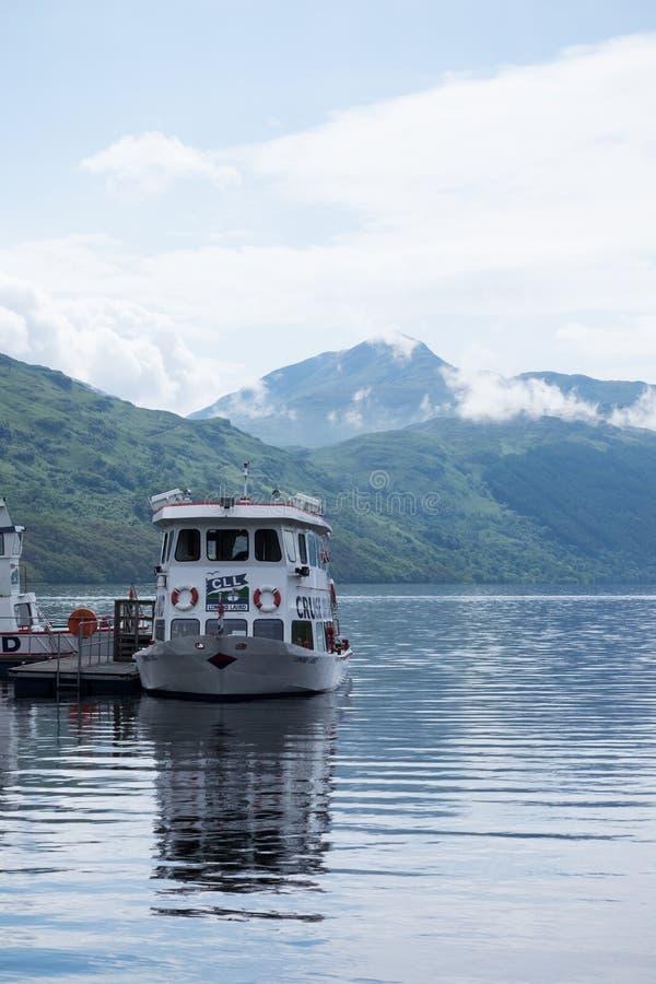 Паром на Inveruglas, Loch Lomond стоковые изображения rf