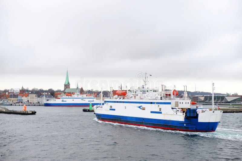 Паром от Хельсингборга к Helsingor стоковое изображение rf