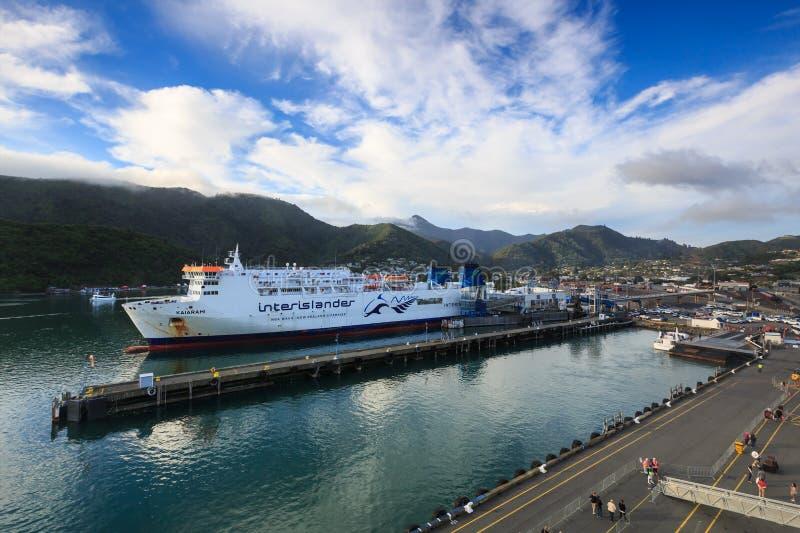 Паром Interislander причалил в Picton, Новой Зеландии стоковая фотография rf