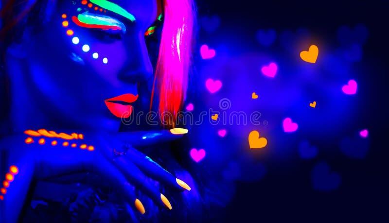 Партия диско дня ` s валентинки Девушка фотомодели в неоновом свете стоковое изображение