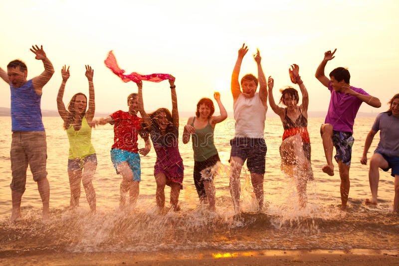 Партия на пляже моря стоковые фотографии rf
