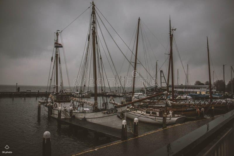 Парусники в морском пехотинце в Нидерландах стоковое фото rf
