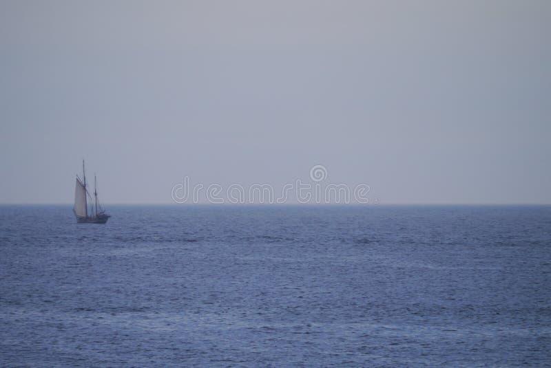 Парусное судно в Шотландии стоковое изображение rf