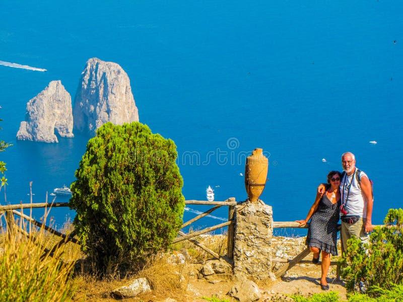 Пары в Капри, Италия стоковое изображение rf