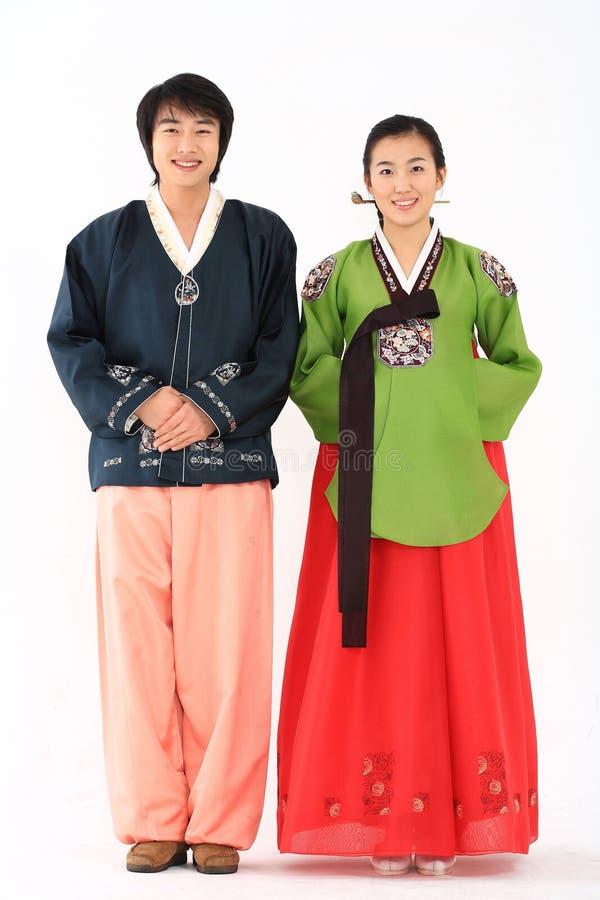 Пары в корейском платье i стоковое изображение rf