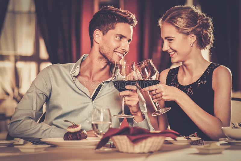 благоустроенная пара в баре картинки именно поэтому любители
