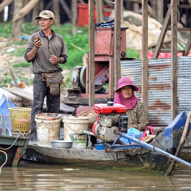 Пары в соке Tonle, Камбодже стоковые фотографии rf