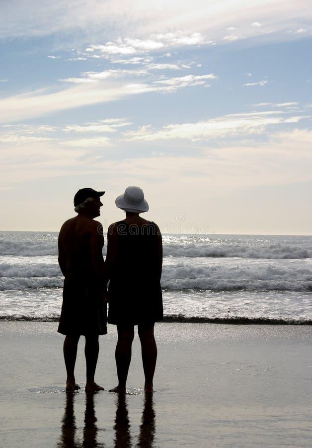 пары пляжа стоковая фотография rf