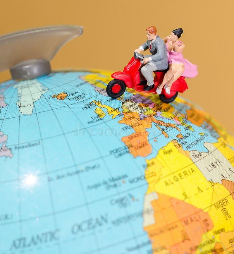 Пары путешествуя в Европе стоковая фотография rf