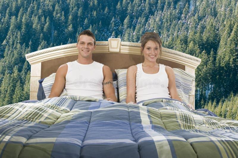 Download пары счастливые стоковое фото. изображение насчитывающей adulteration - 481316