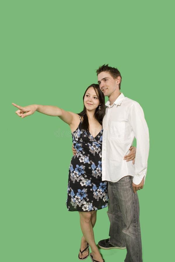 Download пары счастливые стоковое изображение. изображение насчитывающей влюбленность - 6869769