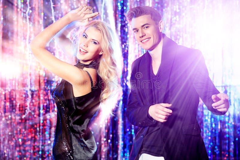 Пары танцев стоковая фотография