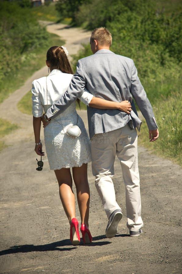 пар гулять майны вниз стоковые изображения