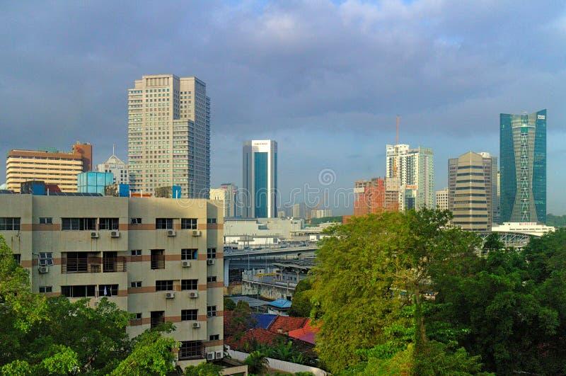 Пасмурная съемка рекламы & жилых домов около JB Sentral в Малайзии стоковые изображения