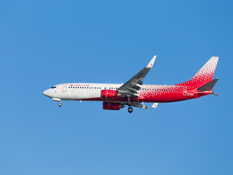 Пассажирский самолет Боинг 737-8GJ, авиакомпании России стоковое фото rf