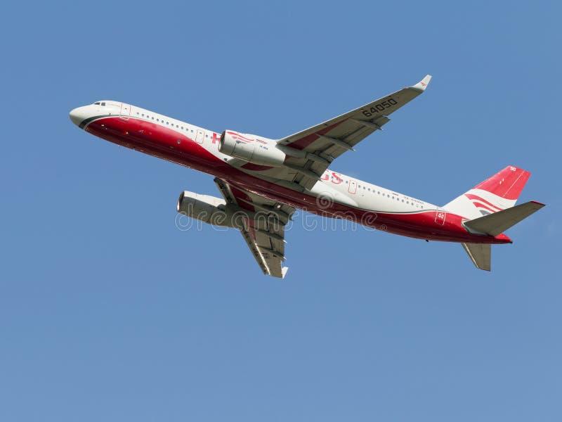 Пассажирский самолет TU-204-100BE стоковые фотографии rf