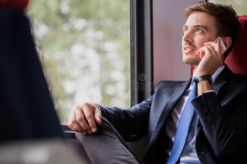 Пассажир путешествуя в предпринимательском классе стоковая фотография rf