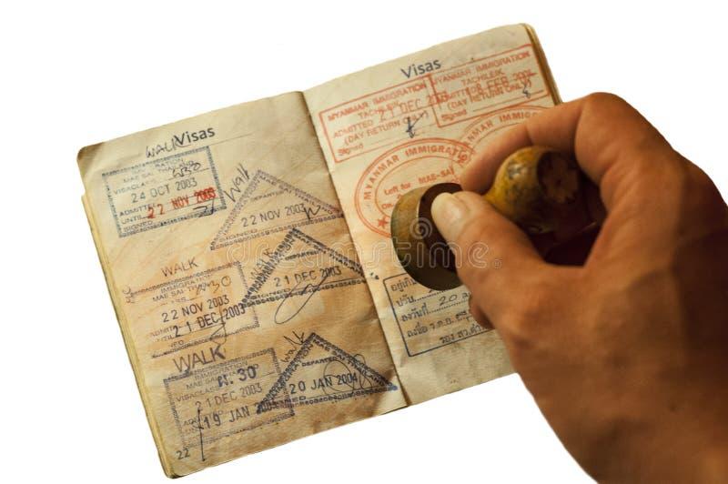 Пасспорт и визы от Таиланда и Мьянмы стоковое изображение rf