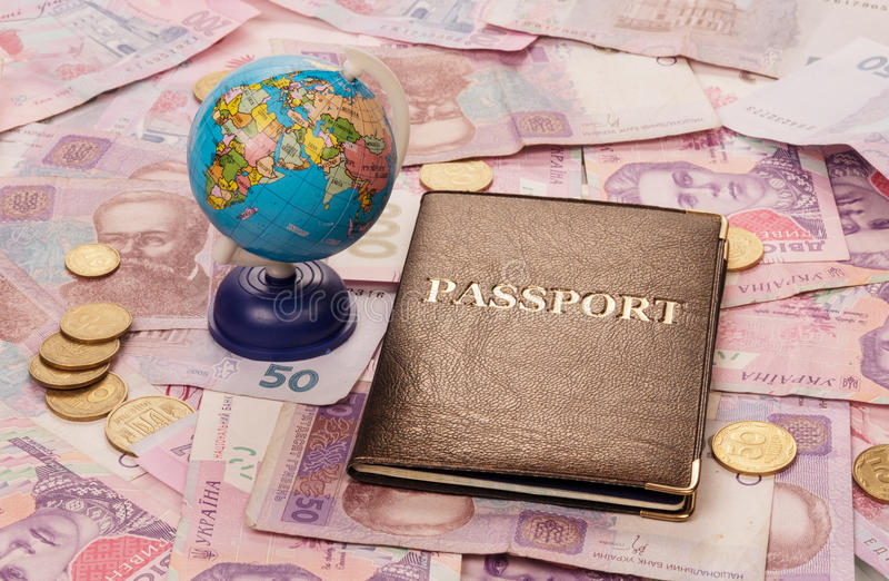 Пасспорт и глобус стоковые фотографии rf