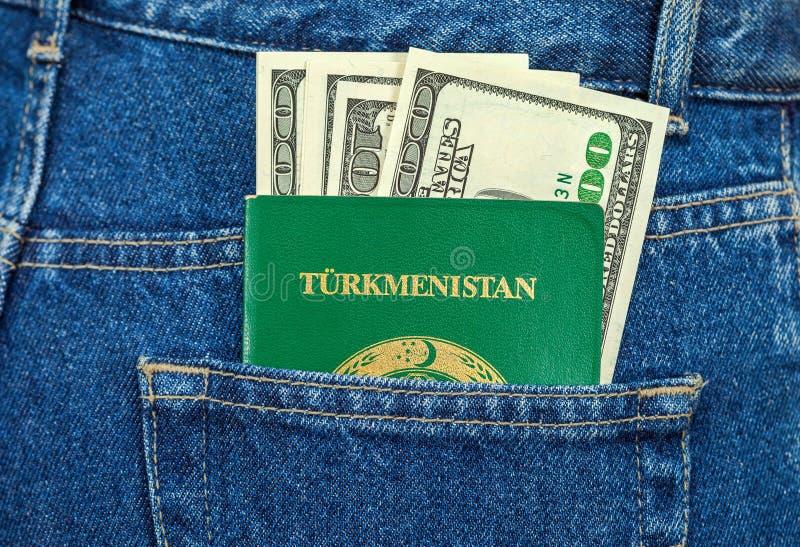 Download Пасспорт и долларовые банкноты Туркменистана Стоковое Фото - изображение насчитывающей ткань, американская: 33731308